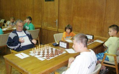 Nyílt sakk-klub a Szent Angélában